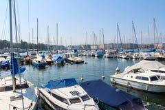 GINEBRA - 7 DE SEPTIEMBRE: moorage en el lago geneva en septiembre Fotografía de archivo libre de regalías