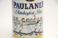 Ginebra/Suiza - 20 de marzo de 2018: Edición del fest de Munchen octubre de la féretro de la cerveza de Paulaner fotografía de archivo
