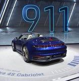 Ginebra, Suiza - 5 de marzo de 2019: El coche del cabriolé de Porsche 911 Carrera 4s mostró en el 89.o salón del automóvil intern imagen de archivo libre de regalías