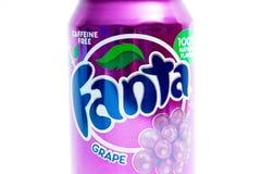 Ginebra/Switzerland-9 9 18: Fanta puede fruta de la púrpura del gusto del grappe de la soda foto de archivo