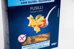 Ginevra/Svizzera 16 07 18: Rigate libero Italia del penne di fusilli del glutine della barilla del contenitore di pasta fotografia stock libera da diritti