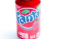 Ginevra/Switzerland-9 9 18: Fanta può rosso della frutta del gusto della fragola della soda fotografie stock libere da diritti