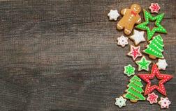 Gingembre de Noël et biscuits colorés de miel image stock