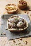 Ginger Cookies con los pistachos y las almendras Imagen de archivo libre de regalías