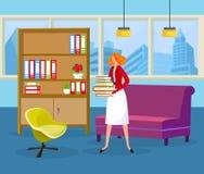 Ginger Hair Woman Holding Pile av böcker i händer royaltyfri illustrationer