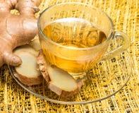 Ginger Root Represents Tea Break e café fotografia de stock
