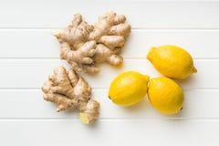 Ginger Root und Zitronen Stockbild