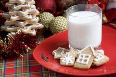 Gingerbread рождества с молоком Стоковое Фото