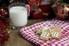 Gingerbread рождества с молоком Стоковое Изображение