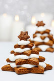 Gingerbread christmas tree. Beautiful xmas dessert. Copy space Stock Photography