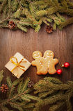 Gingerbread Christmas tree and gift Royalty Free Stock Images