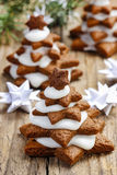 Gingerbread christmas tree on wooden table. Beautiful xmas setting Royalty Free Stock Photography