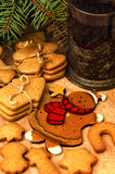 Gingerbread cookies, tea, Christmas decoration Stock Images