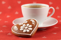Gingerbread heart and coffee Stock Photos