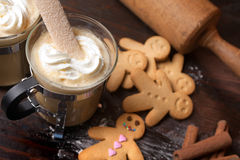 Gingerbread man with coffee Royalty Free Stock Photography