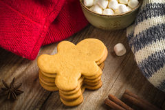 Gingerbread man cookies and marshmallows Stock Images