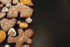 Gingerman kakor i asken Royaltyfri Fotografi