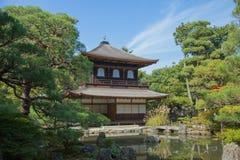 Ginkakuji (silverpaviljong) är en Zentempel längs Kyoto easter Royaltyfria Foton
