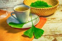 Ginkgo biloba Tee oder ginko Blatt lizenzfreies stockbild