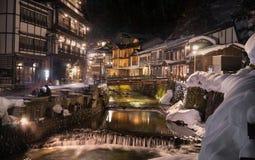 Ginzan Onsen under vintern arkivbild