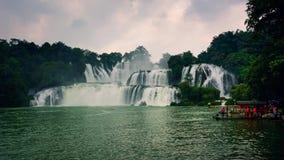 禁令在边界的Gioc Detian瀑布在中国和越南之间 股票视频