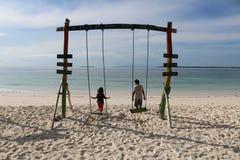 Giocando alla spiaggia Fotografie Stock Libere da Diritti