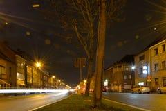 Giocando con il concetto del lensflare, nightscene delle strade trasversali Fotografia Stock Libera da Diritti