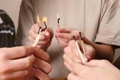 Giocando con il fuoco Immagini Stock