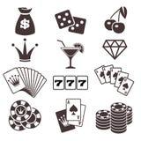 Giocando, giochi con le carte del poker, casinò, icone di vettore di fortuna messe Immagine Stock Libera da Diritti