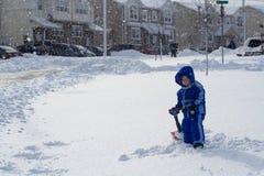 Giocando nella neve Immagini Stock Libere da Diritti