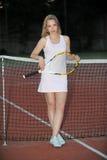 Giocar a tennise Immagini Stock Libere da Diritti