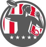 Giocatore di calcio di bandiera QB che passa il cerchio della palla retro Immagine Stock
