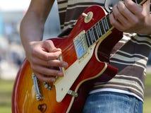 Giocatore di chitarra Fotografie Stock Libere da Diritti
