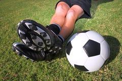 Giocatore di football americano con una sfera Immagini Stock Libere da Diritti