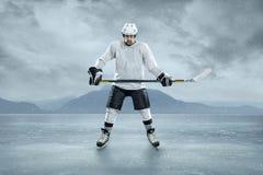 Giocatore di hockey su ghiaccio Fotografia Stock