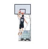 Giocatore di pallacanestro che dunking nel cerchio Immagini Stock