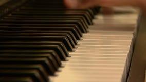Giocatore di piano video d archivio