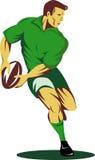 Giocatore di rugby circa per passare sfera Fotografie Stock Libere da Diritti