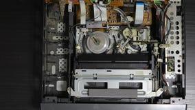 Giocatore di videocassetta di VHS dentro video d archivio