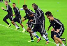 Giocatori di Chelsea durante l'addestramento ufficiale della lega di campioni di UEFA fotografie stock