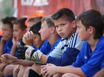 Giocatori di ricambio di gioco del calcio Immagine Stock Libera da Diritti