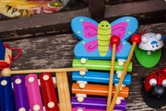 Giocattoli del bambino al deposito del bambino Fotografie Stock