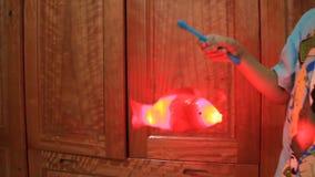 Giocattoli del pesce per i bambini archivi video
