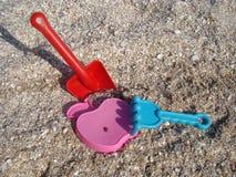 Giocattoli della spiaggia dei bambini Immagini Stock