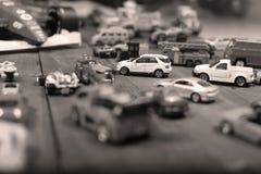 Giocattoli delle automobili su un fondo di legno Fotografia Stock Libera da Diritti