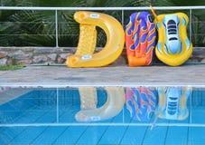 Giocattoli di galleggiamento dallo stagno Fotografie Stock Libere da Diritti