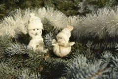 Giocattoli di Natale sotto forma di pupazzi di neve Fotografia Stock Libera da Diritti