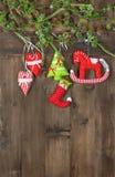 Giocattoli fatti a mano del tessuto della decorazione di Natale Fotografia Stock Libera da Diritti