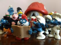 Giocattoli raccoglibili: i Puffi! Fotografie Stock
