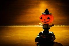 Giocattolo della zucca di Halloween su fondo di legno Fotografie Stock Libere da Diritti